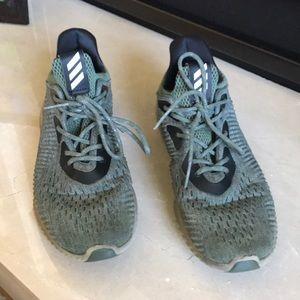Adidas alpha bounce size 8.5